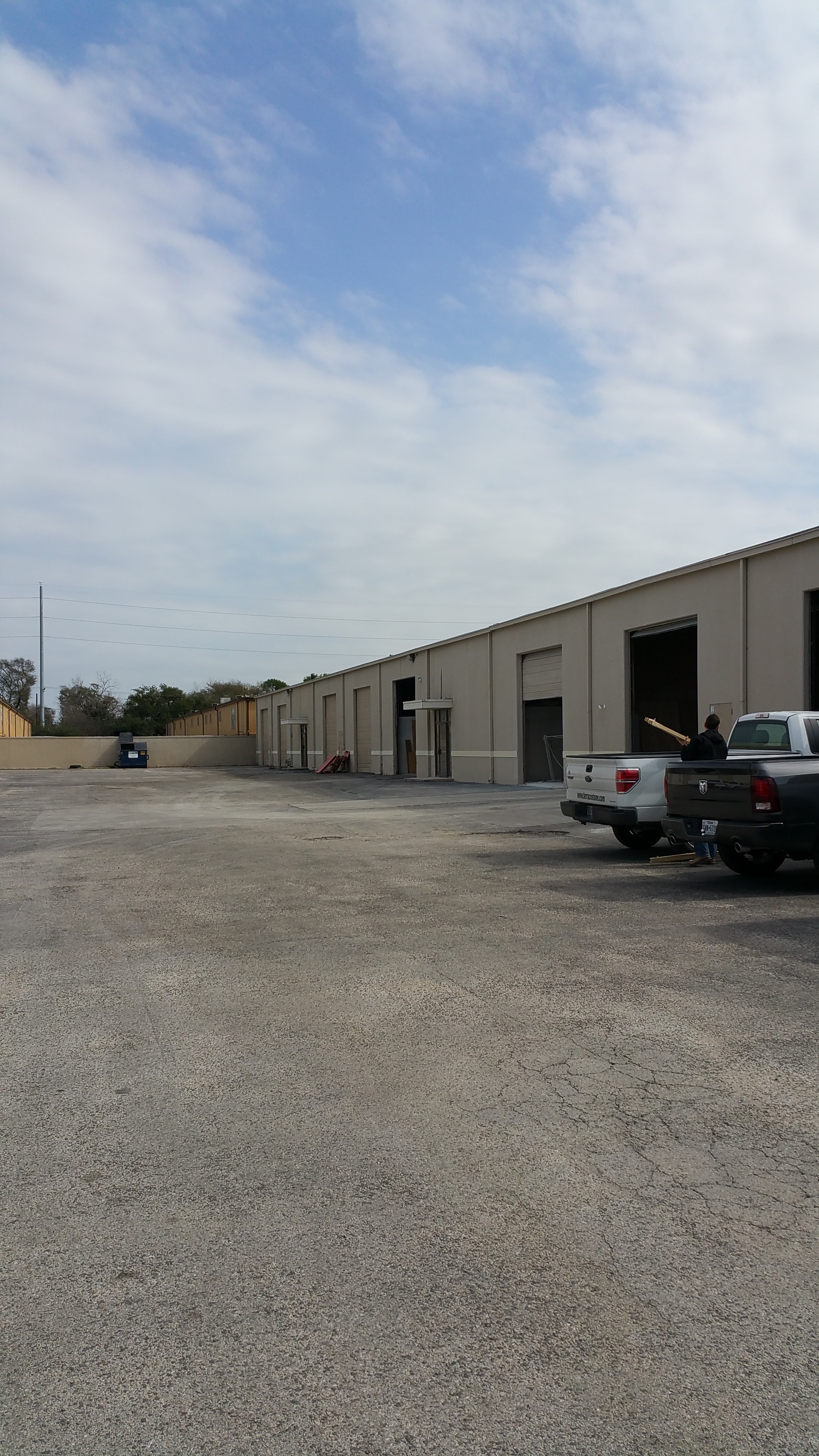 7500 SF Warehouse Space
