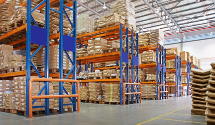 pallet storage in warehouse